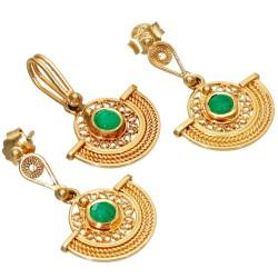 in feinster filigraner Handarbeit hergestelltes Smaragdschmuckset in 750er Gold 18k (Ohrringe + Anhänger) besetzt mit edlen Smaragdcabochonen