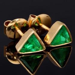 1 Paar handgearbeitete Smaragd-Ohrstecker aus 750er (18k) Gold