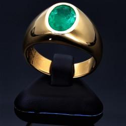 Prächtiger Herrenring mit einem kolumbianischen Smaragd in tiefem Tannengrün von sagenhaften 2,48ct. (Einzelstück / Handarbeit)