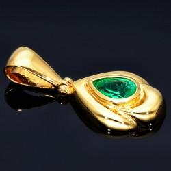 Eleganter Anhänger in Handarbeit in 750er (18K) Gelbgold hergestellt mit einem leuchtend grasgrünen kolumbianischen Smaragd in Tropfenform geschliffen