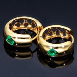 Designer-Creolen in Handarbeit hergestellt mit 2 leuchtend, dunkel-grasgrünen Smaragden (750 Gold)