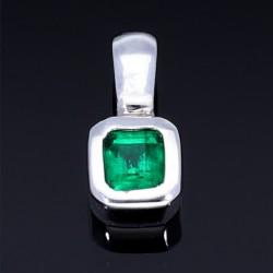 Dezenter Smaragdanhänger aus 750 (18K) Weißgold mit leuchtend tiefgrünem Smaragd von 0,47 Karat
