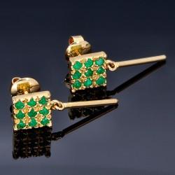 Aparte, hängende Ohrringe mit 18 kleinen kolumbianischen Smaragden in 18K / 750 Gold gefasst