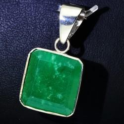 Anhänger aus hochwertigstem 950er Silber mit eingefassten, kolumbianischen Smaragd (12,4 ct.)
