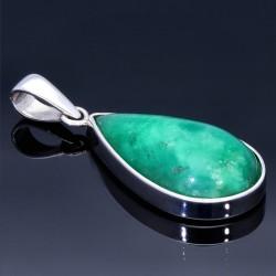 Natürliches, poliertes Smaragdgestein von 25,5ct in Tropfenform geschliffen und gefasst in 950 Silber