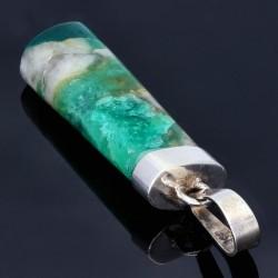 Außergewöhnliches, natürliches Smaragdgestein in 950 Silber - Anhänger gefasst