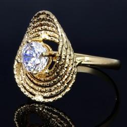 Damenring in extravagantem Design aus 585er 14 Karat Gelbgold mit einem eingefassten Zirkonia - Stein in Größe 60