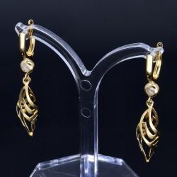 elegante, hängende Ohrringe mit eingefasstem Zirkonia in 585er (14K) Gold mit stylischem Design