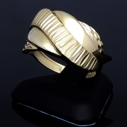 Damenring in 585 / 14K Gold in modernem Design in Ringgröße ca. 57-58